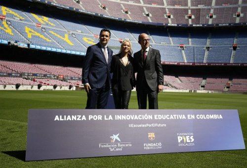 Shakira y el Barcelona de España construirán una escuela en Barranquilla.