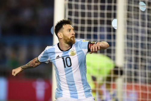 Messi fue suspendido por cuatro partidos por insultar a juez de línea