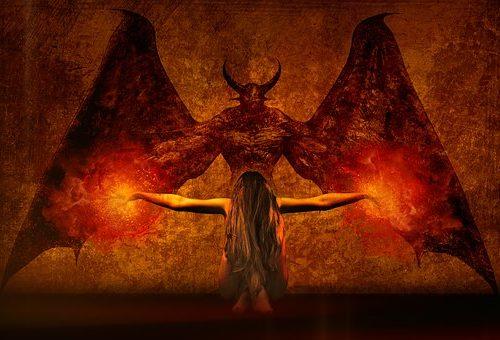 Grimorios malditos e historias de miedo. Cartel Paranormal 18 Enero