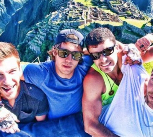 Youtubers murieron luego de caer de una cascadaen Canadá