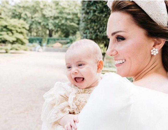 Revelan las fotos oficiales del bautizo del príncipe Luis