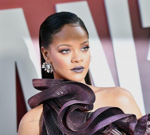 Rihanna demandó a su propio padre y esta es la razón